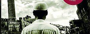 In vielen persönlichen Interviews und Gesprächen untersucht Abu Rumman Selbstbild und Lebenswirklichkeit junger Salafisten im Nahen Osten