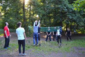 Spaß am Volleyballnetz für jene, die trotz Fasten noch Energie hatten