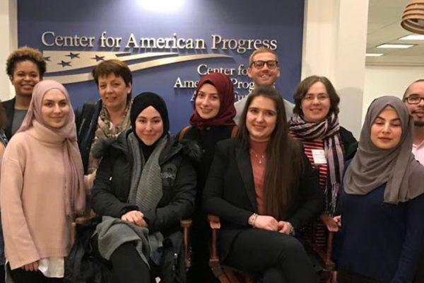 Das ´Center for American Progress´ ist eine non-profit Organisation mit ca. 350 Mitarbeitern, die sich für die Stimmen und Rechte junger Menschen (≈ 18 – 35 Jahre) einsetzt.